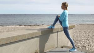 5 gode strækøvelser til dig, der sidder meget ned